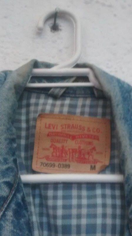 Chamarra mezclilla azul Levi's con forro de franela
