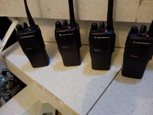 Radio Motorola Pro  De 16 Can Y 5 Watts Poten Uhf