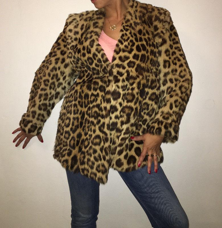 4 abrigos de piel de segunda mano diversos precios (favor de llamar por  telefono) c8b805df154