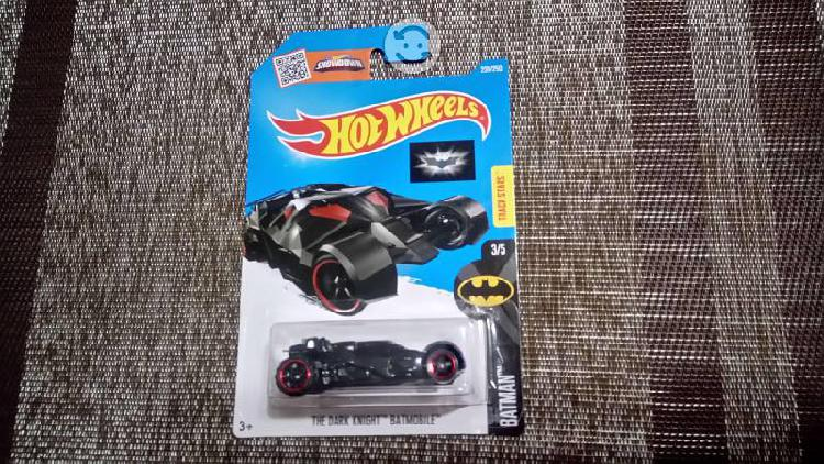 Hot Wheels The Dark Knight Batmobile #228