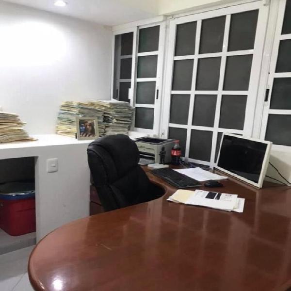 EN RENTA 1 ESPACIO DE OFICINA EN DESPACHO PRIVADO SM 12 /