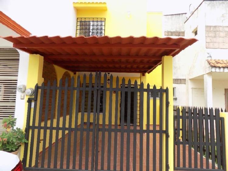 CASA EN VENTA Fraccionamiento Las Olas, Cosoleaca