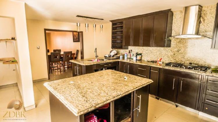Bonita Casa en venta en Loma Dorada. Fraccionamiento