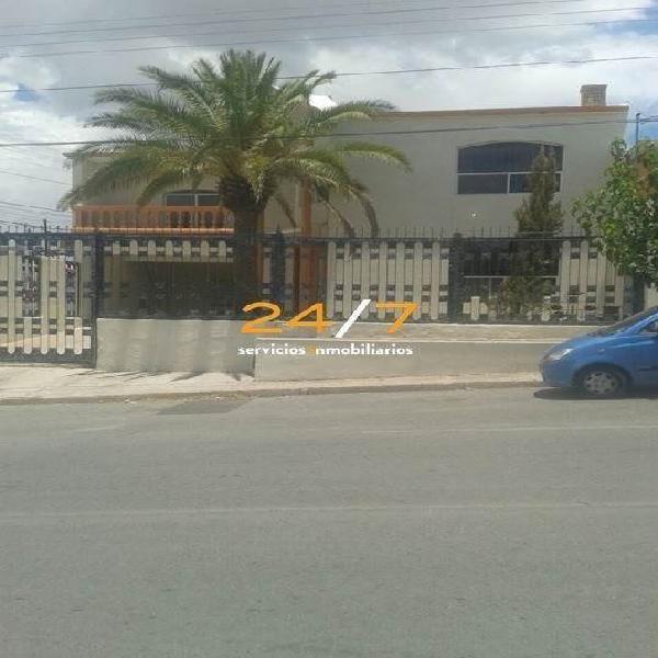 COL. SANTA ROSA (EN ESQUINA) /