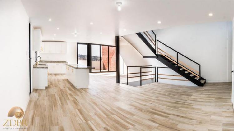 Hermosa casa nueva en Plazas de Agua Caliente de 3 niveles