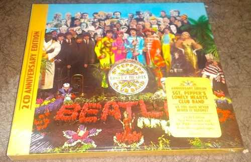 The Beatles Sgt. Pepper's Lonely Hearts Club Band 2 Cd's