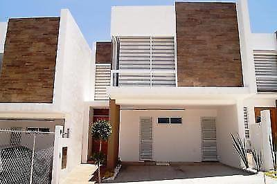 Casa en Renta Amueblada en Cascatta, Lomas de Angelópolis