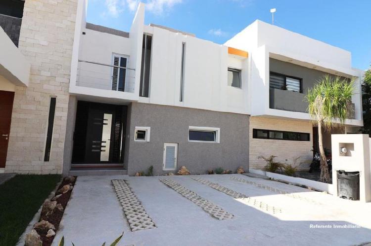 Casa en renta en Av Huayacan Cancun