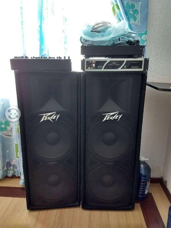 Equipo de sonido, mezcladora, poder