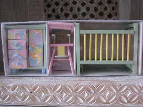 Recámara Para Bebe De Casa De Muñecas