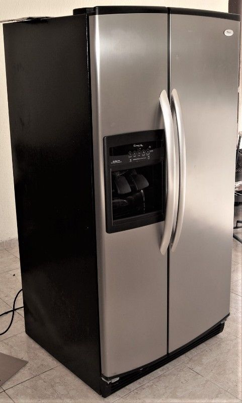 Vendo Refrigerador Duplex Whirpool de 22 pies cubicos en