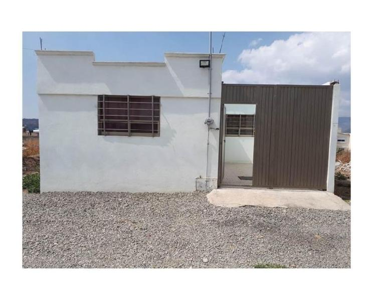 Casa dos recámaras cerca de la UAEH, col. Carboneras.