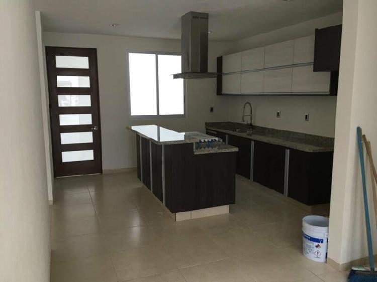 Moderna casa nueva en el Fraccionamiento con la mayor