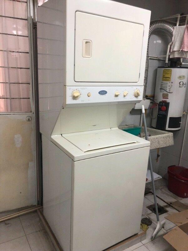 Vendo centro de lavado usado marca easy funcionando