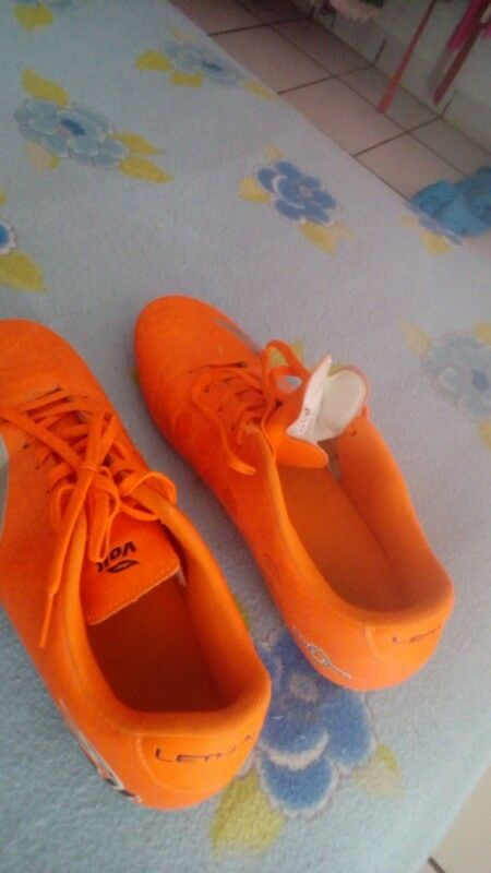 Tenis de soccer ronañdhiño | Posot Class
