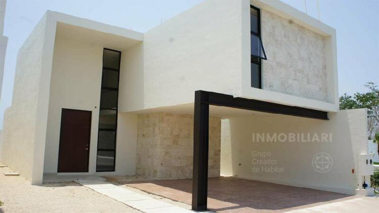 Casa en venta a Norte de Mérida de 3 habitaciones