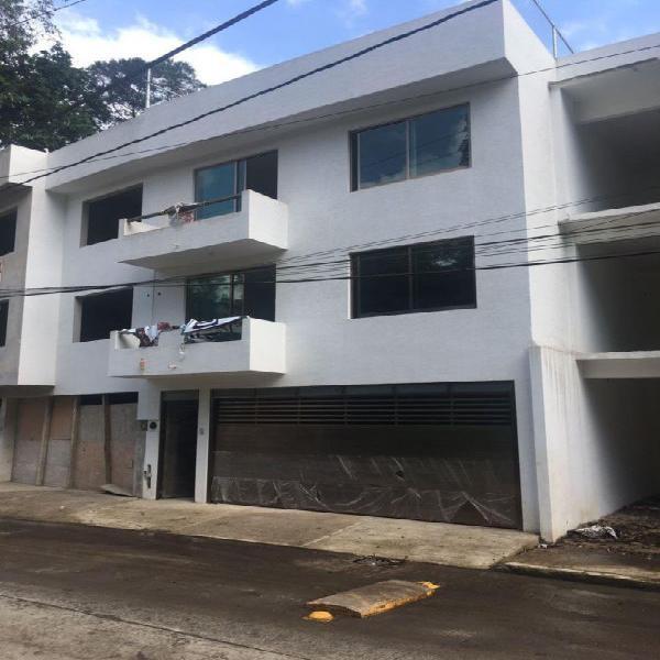 Se vende casa en Av. Montes de Xalapa cerca del predio de la