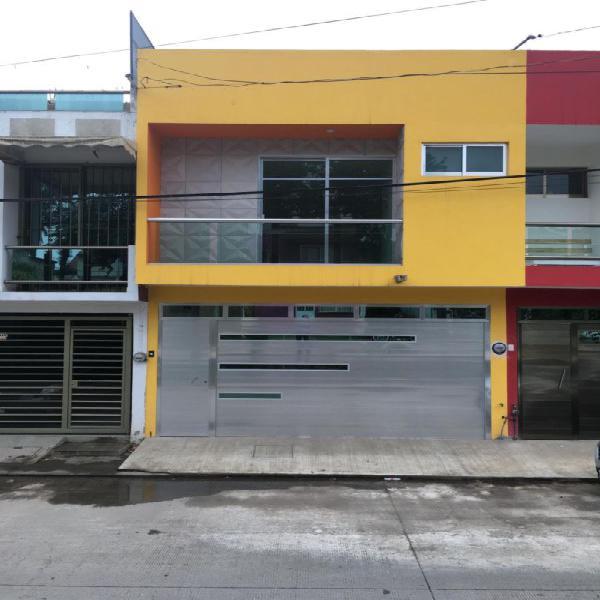 Se vende casa nueva al norte de la ciudad