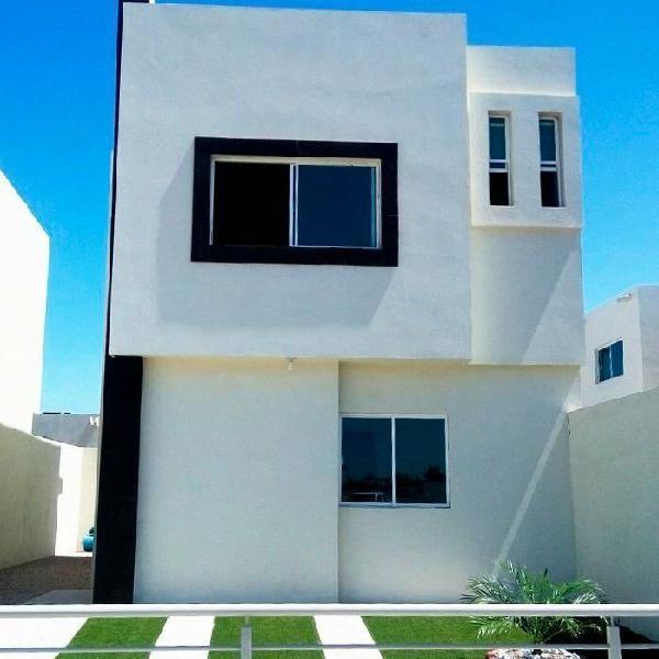 Casa en Venta Melilla, recámara en planta baja, salida a