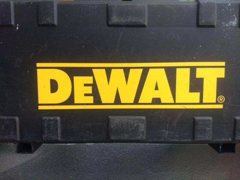 Case (estuche) P/ Sierra Sable De Walt Mod. Dw303m $