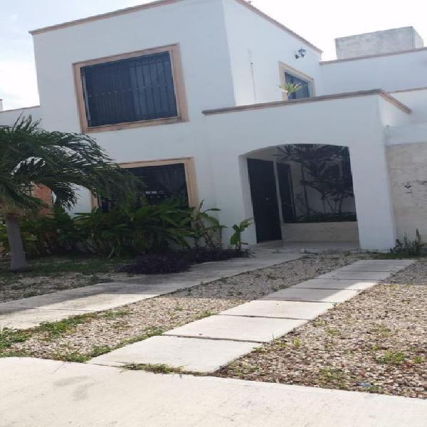 Casa en renta Amueblada en Gran Santa Fe, Mérida