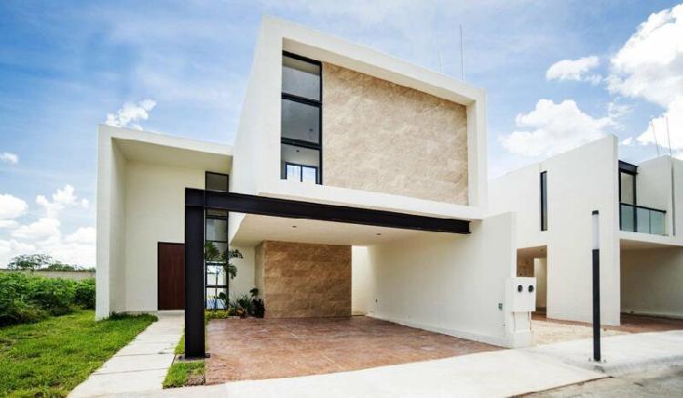 Casa en venta al Norte de Mérida en Privada