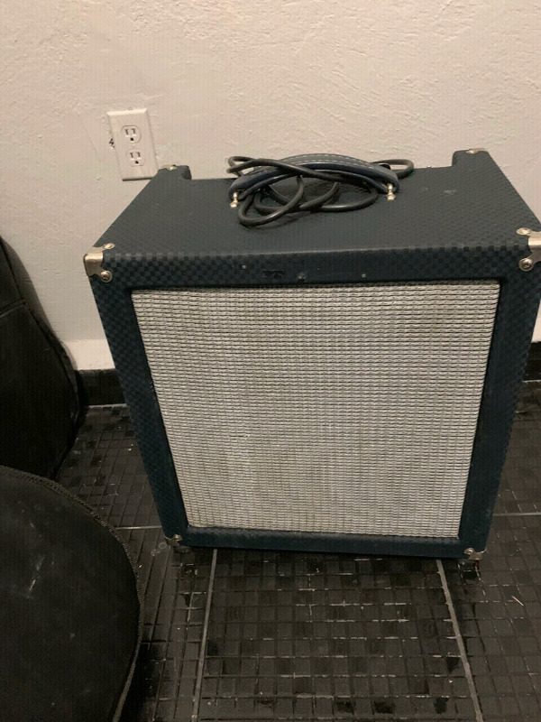 "Combo Ampeg Rocket  watts Bocina de 15"" Made in USA"