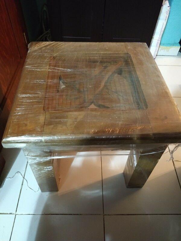 Juego de mesas de madera rusticas