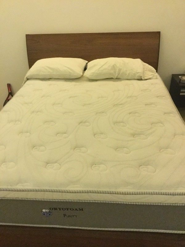 Se vende cama Spring Air Ortofoam Purify King Size