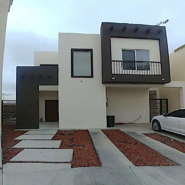 Casa en venta por el reliz Fracc. Veranda $2,250,000