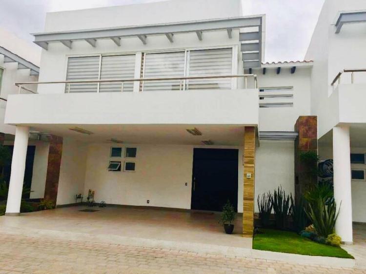 Elegante Residencia en Metepec, cerca de Av. Tecnológico