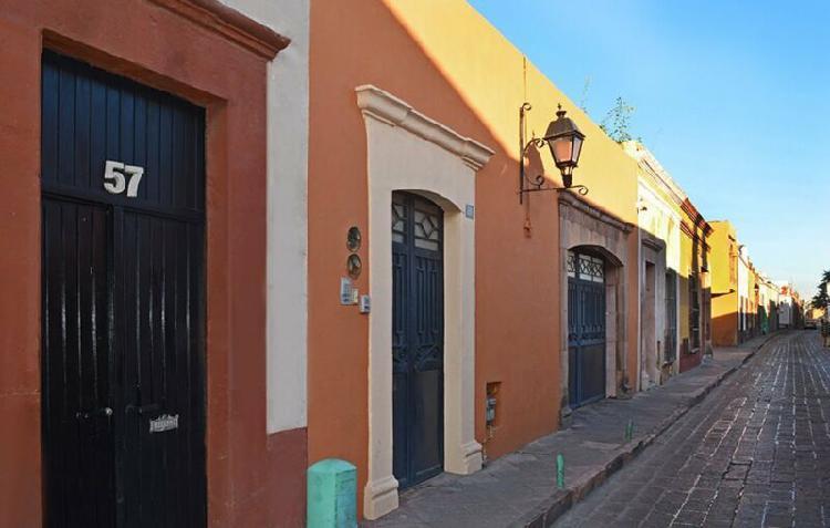Casa NUEVA de dos recámaras en condominio en el CENTRO de