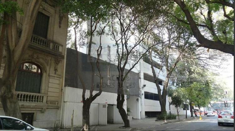 Departamento en Renta, Amueblado, 2 niveles, Colonia