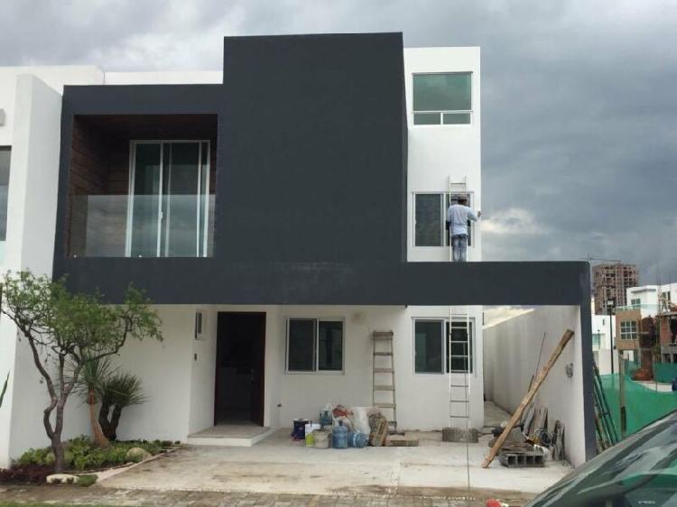 Casa en Venta en Lomas de Angelópolis Parque CHIH, San