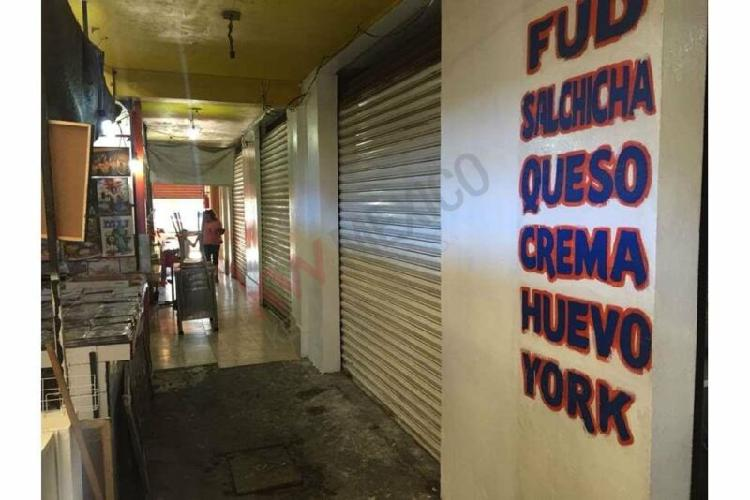 SE VENDE LOCAL COMERCIAL EN MERCADO LAS FUENTES
