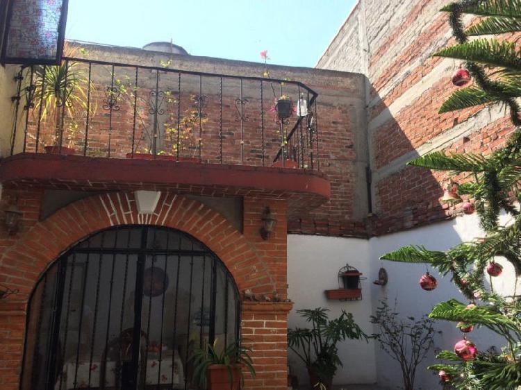 VENDO CASA AMPLIA 4 RECÁMARAS CON CLOSET Y BAÑO COMPLETO