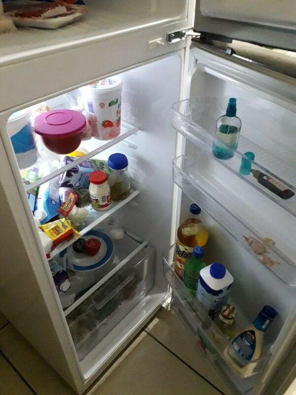 REMATE de refri, estufa, comedor y mueble para television.