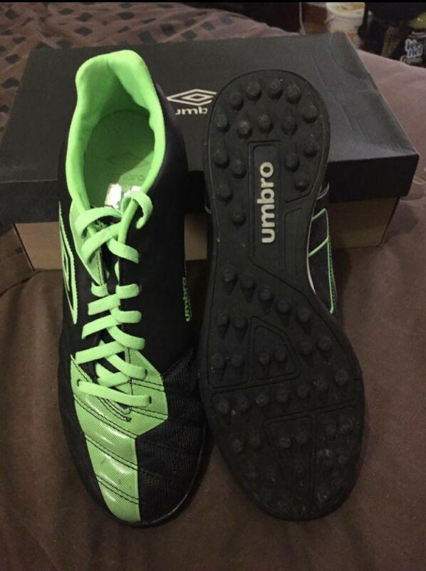 9e5cb5bb8 Zapato futbol umbro extremis hg26 a blanco