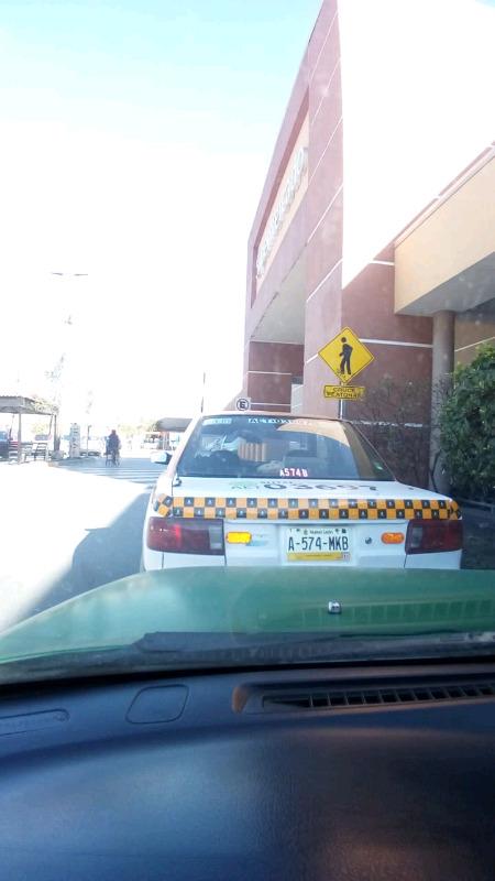 Taxis cumbres, base Soriana