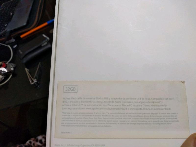 iPad 3ra generación, 32gb en su caja
