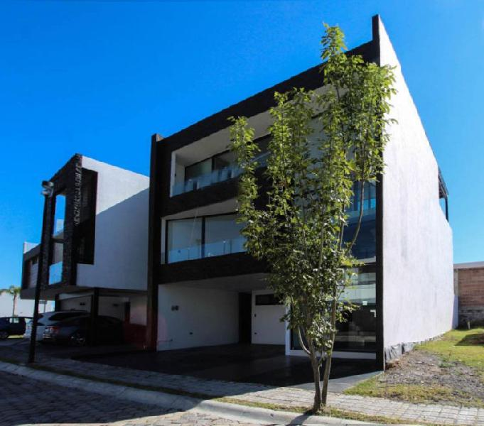 Casa en Venta en Parque Querétaro en Lomas de Angelópolis