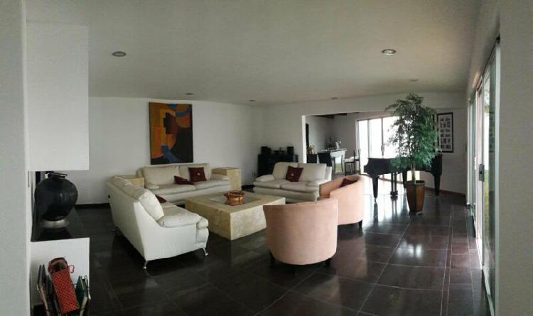 En Venta Amplia Casa de 3 recamaras en Lomas del