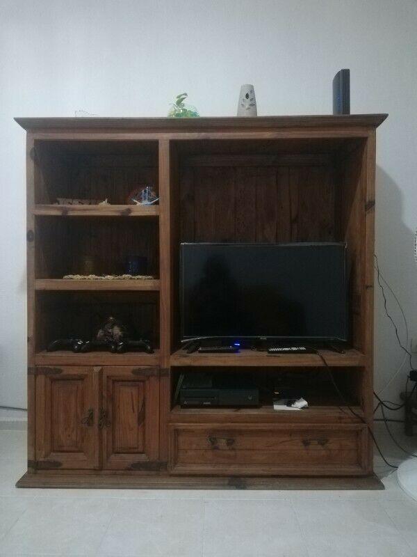 Hermoso mueble de entretenimiento, estilo rústico, madera