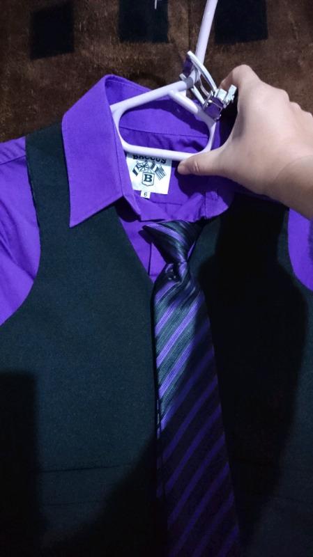 tuxedo y ropa de niño talla 6 y 8