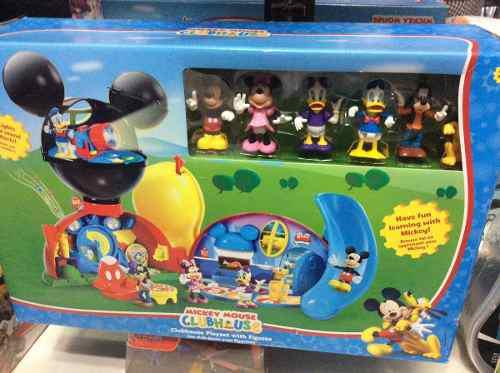 Casa De Mickey Mouse Disney Store !!