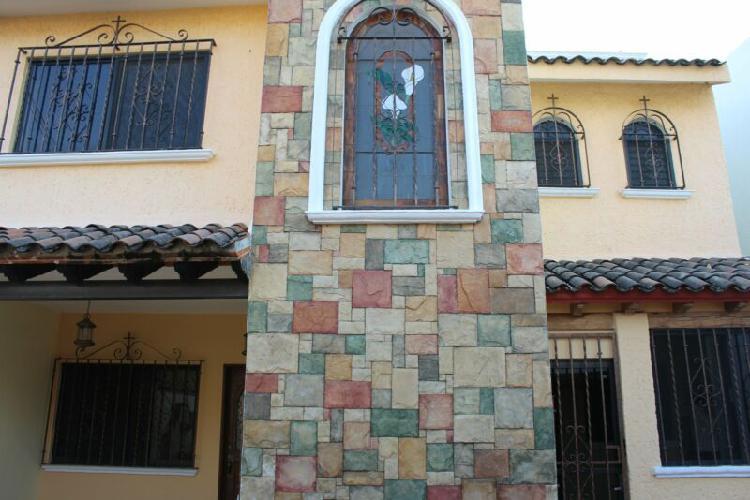 Casa en Renta en Lomas de Cortes en Privada