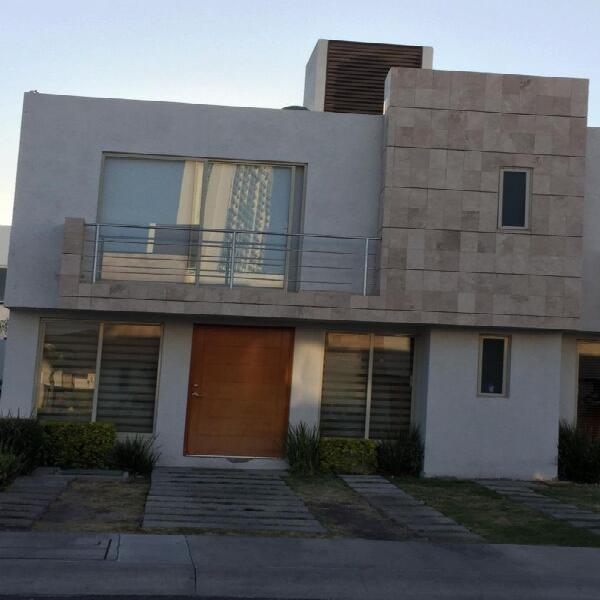 Renta de casa en privada en Juriquilla Santa Fe