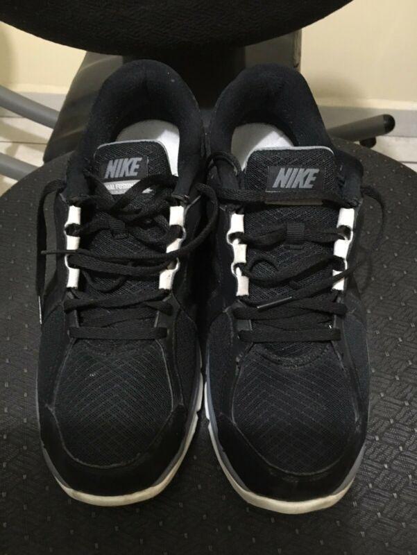 Vendo tenis Nike Dual Fusion para hombre, usados.
