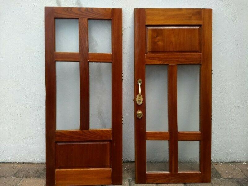 Puerta de caobilla para casa o negocio