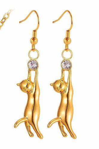Aretes De Gato Con Zirconia Oro Laminado.